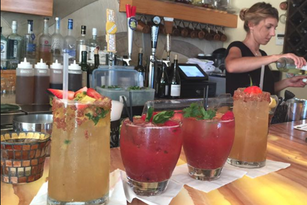 Best Bars in Bethany Beach