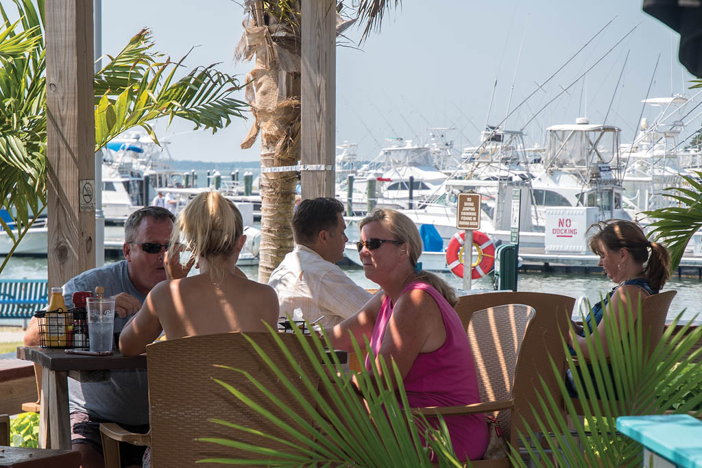 Indian River Marina restaurants